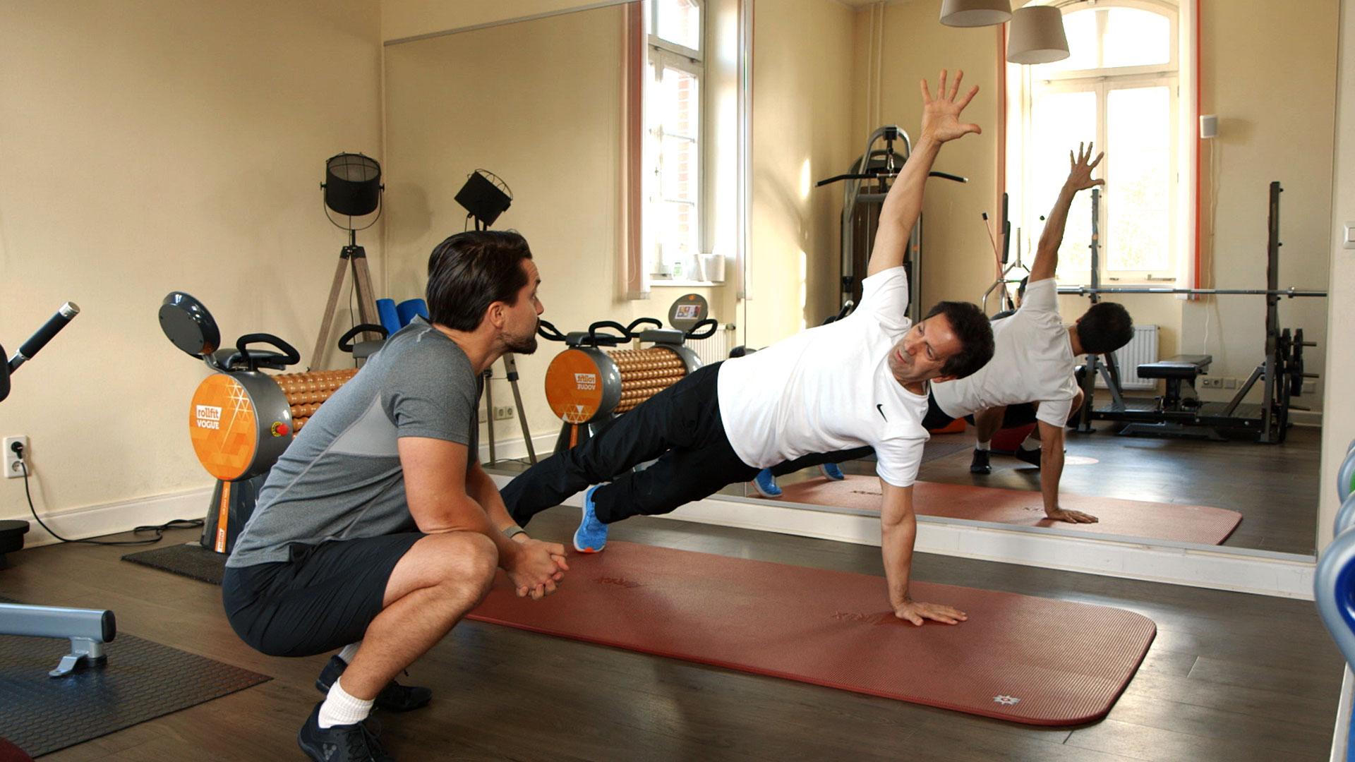 2-sirous-macht-gymnastik-im-einzeltraining