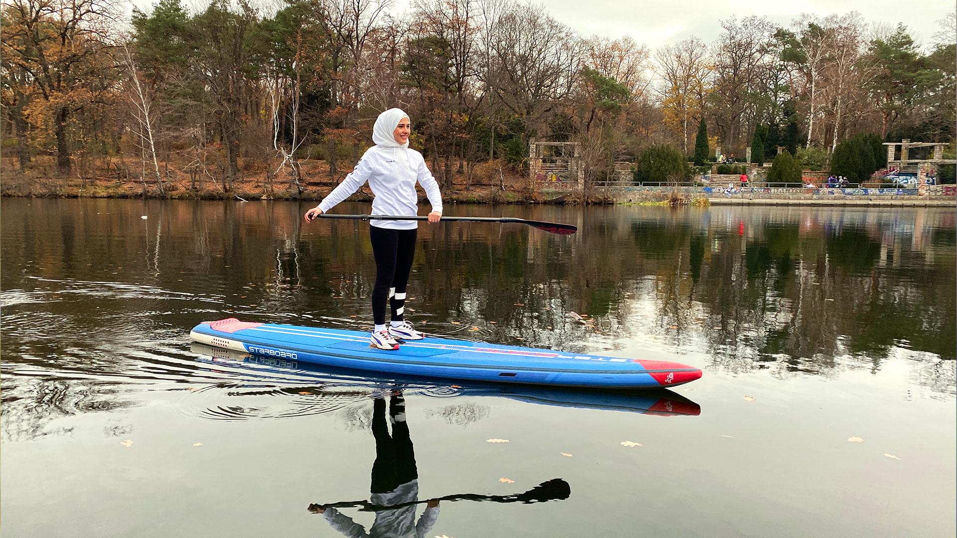 5-ghadeer-macht-stand-up-paddling